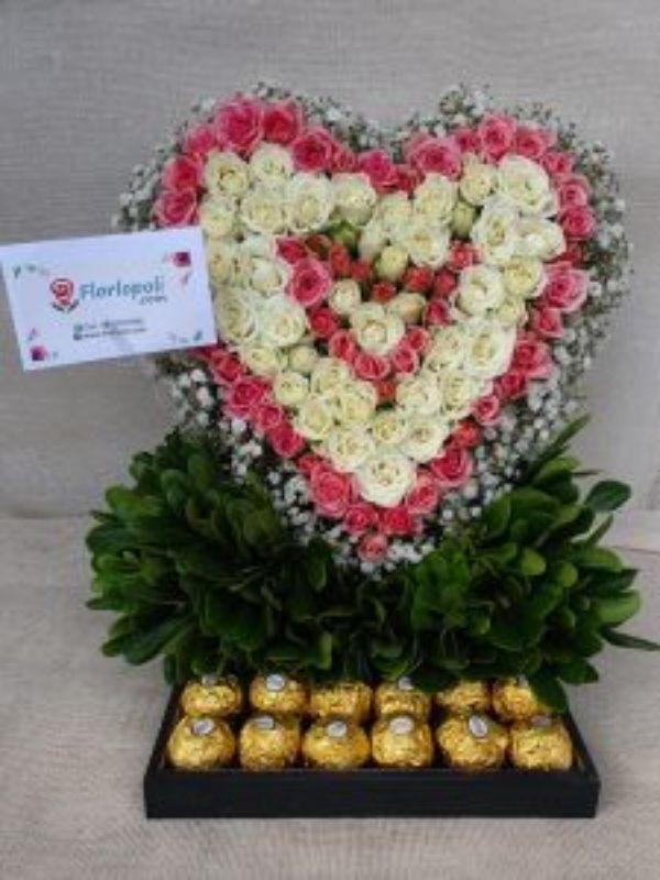 Corazón de Rosas Mini y Chocolates