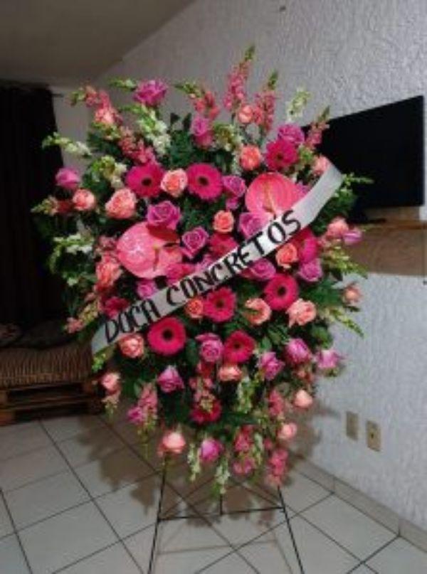 Corona Fúnebre Especial Flores Finas