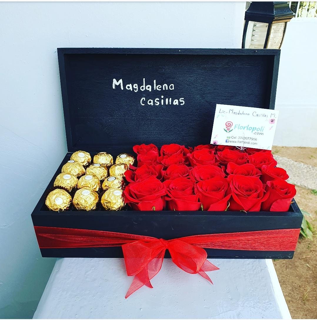 Caja de Rosas y Chocolates