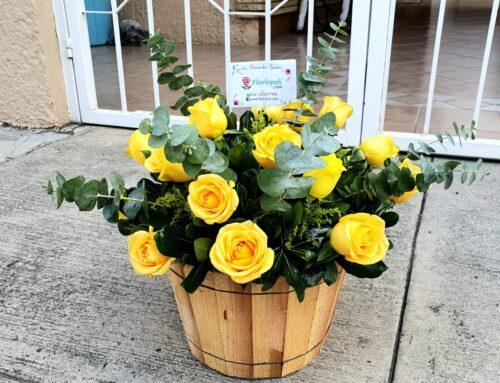 Arreglo floral de rosas amarillas