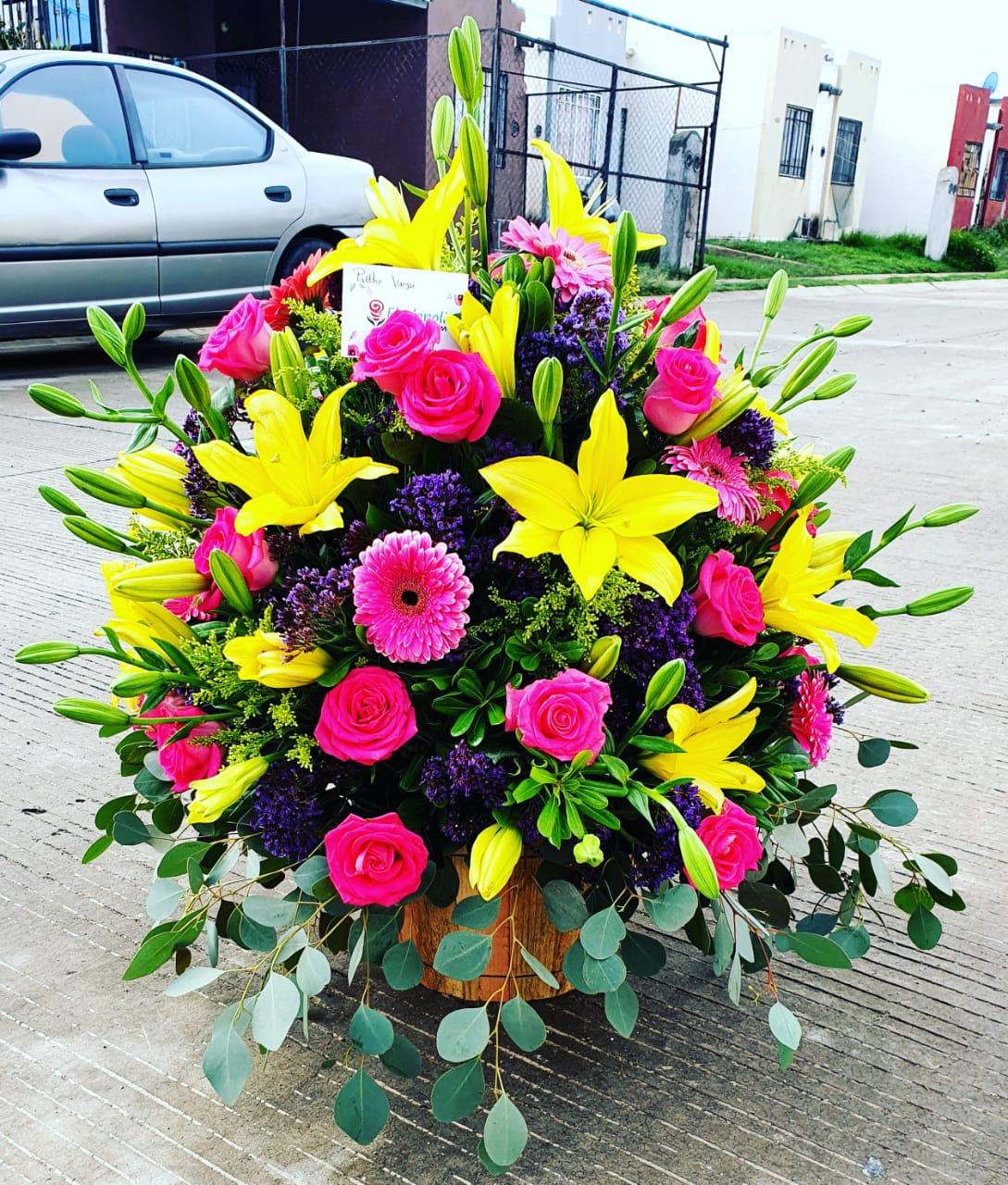 Arreglo de lilis gerberas y rosas