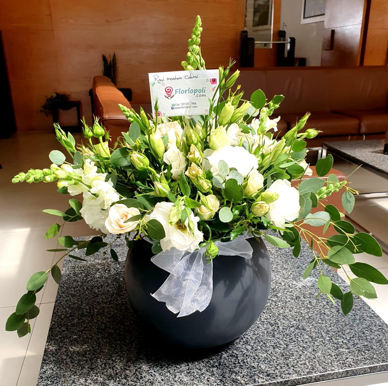 Esfera funebre de flores finas