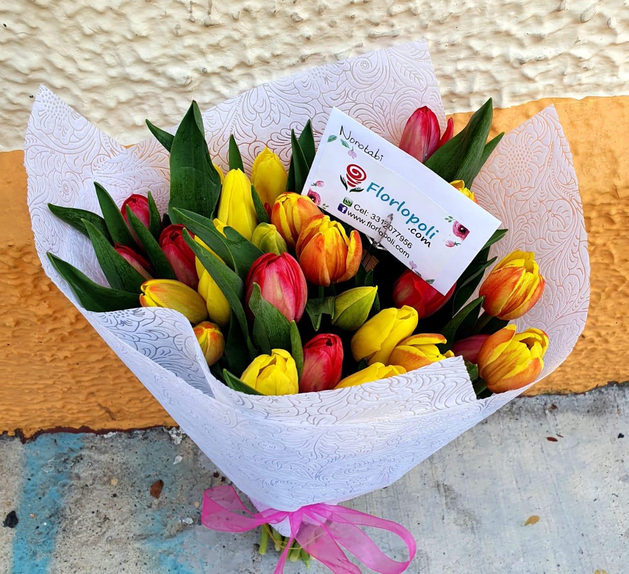 Ramo de 30 Tulipanes de Colores