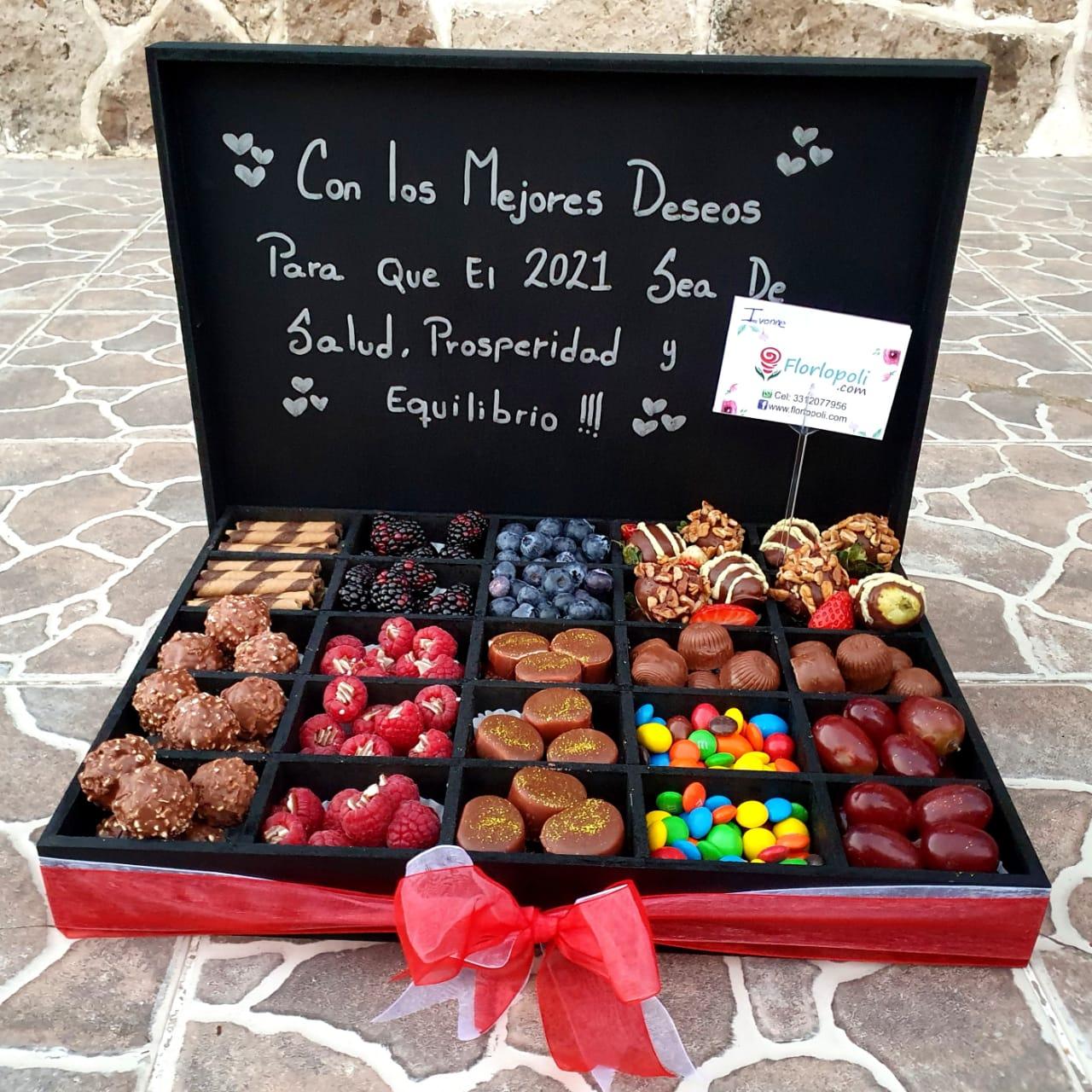 Caja de Surtido de Chocolates y Fresas