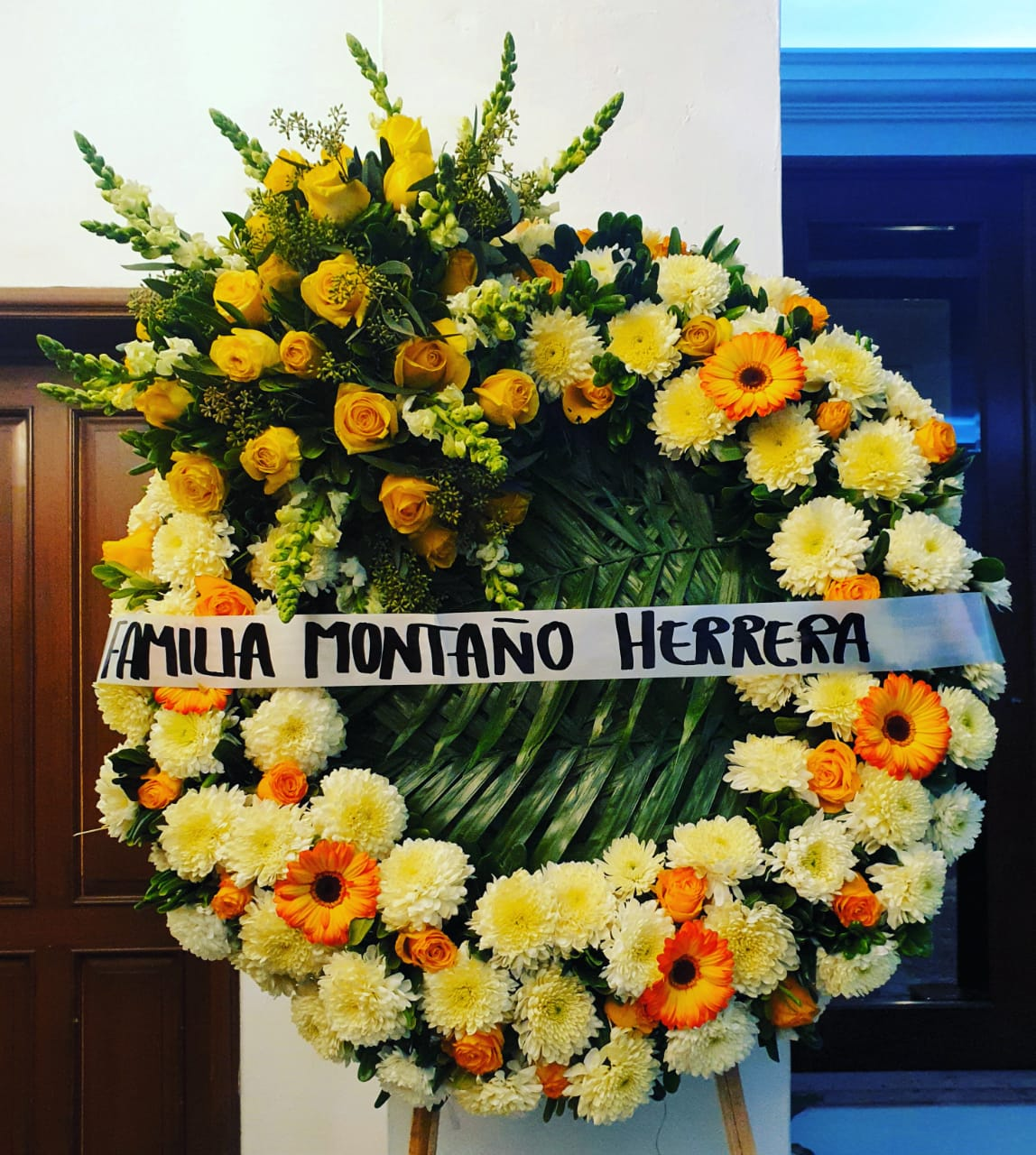 Corona Fúnebre de Rosas Amarillas Copete