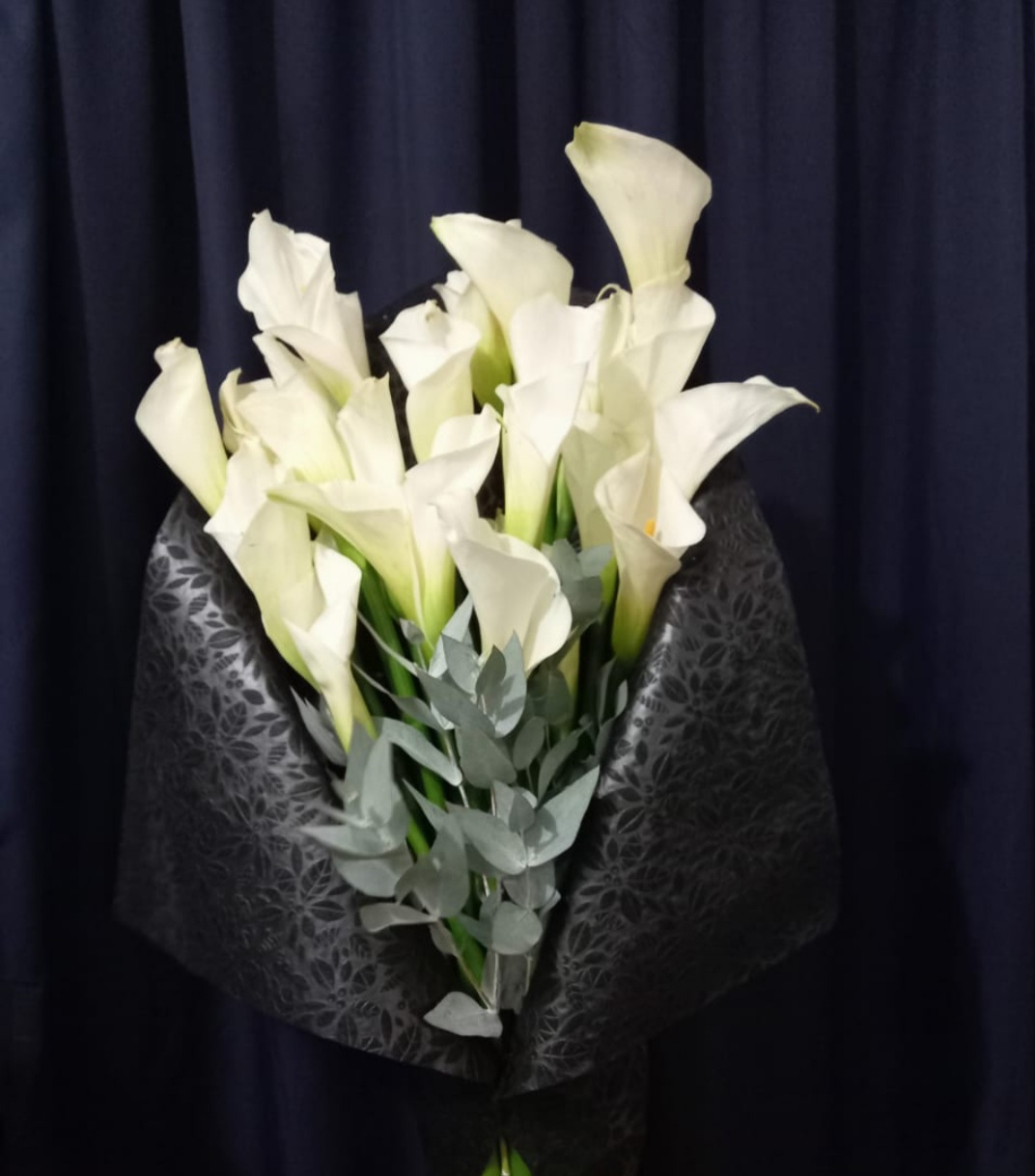 Elegante Bouquet de Alcatraces