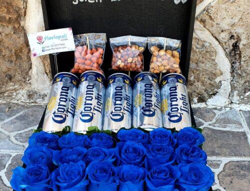 Caja Rosas Azules con Botana