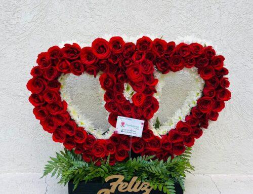 Escultura de doble corazon para aniversario