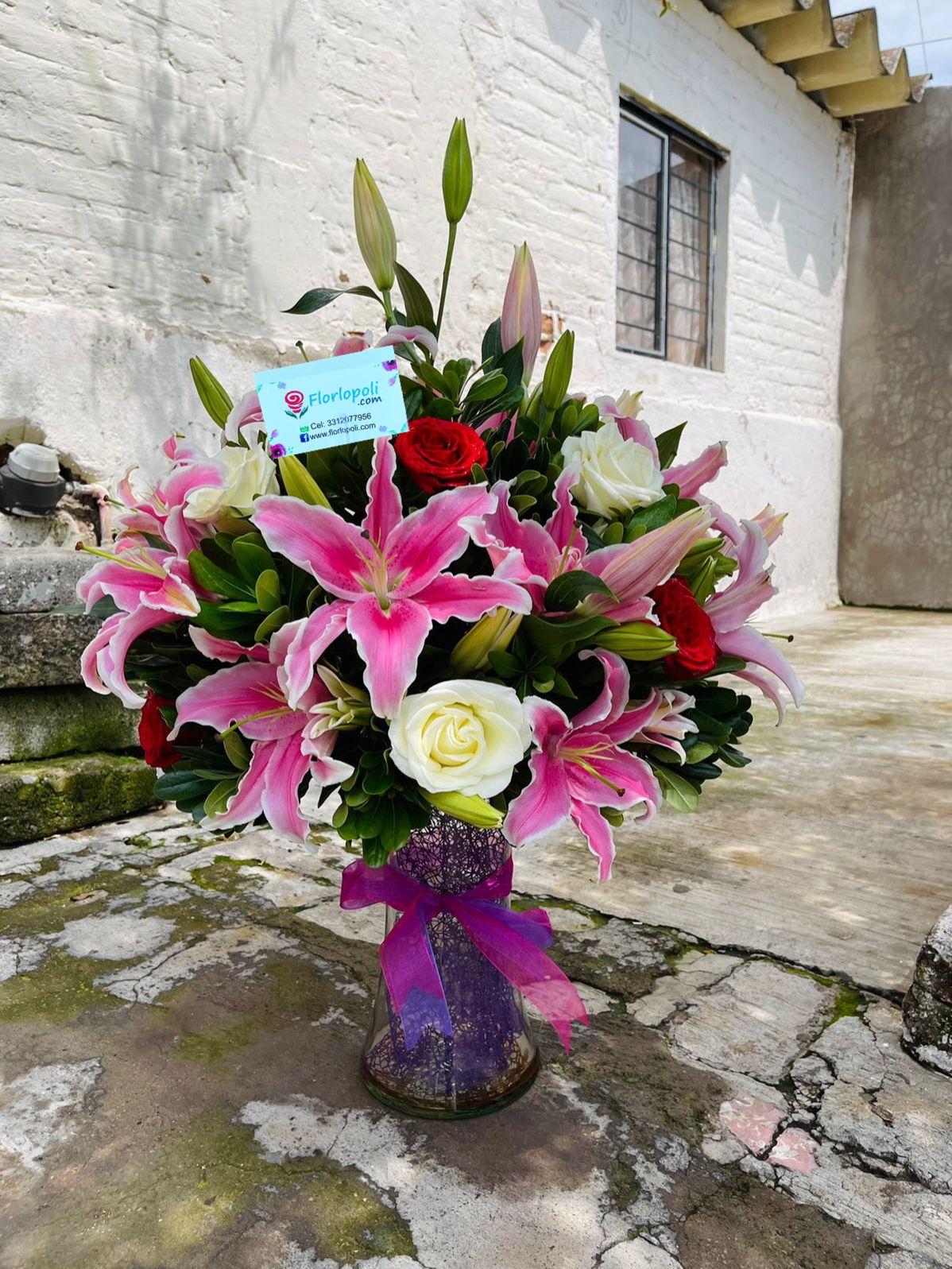 Florero de Acapulcos y Rosas