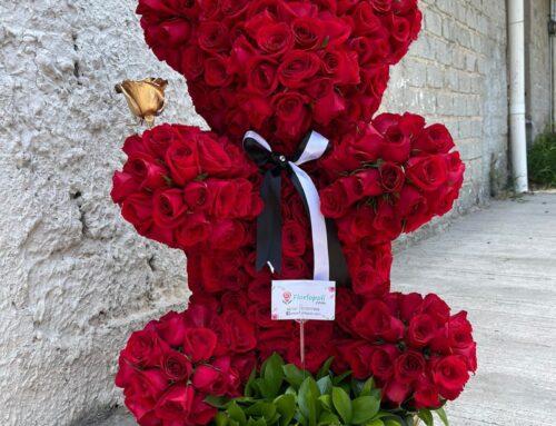 Oso de rosas rojas naturales