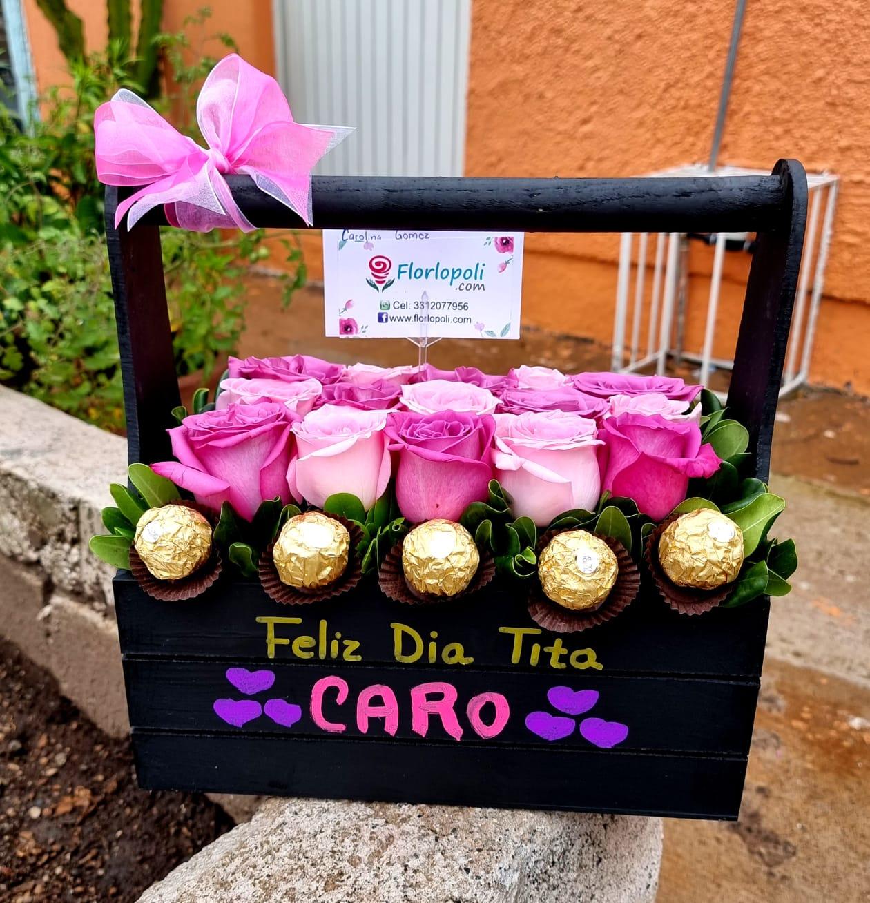 Bonita y sencilla Caja de rosas rosas personalizada y chocolates