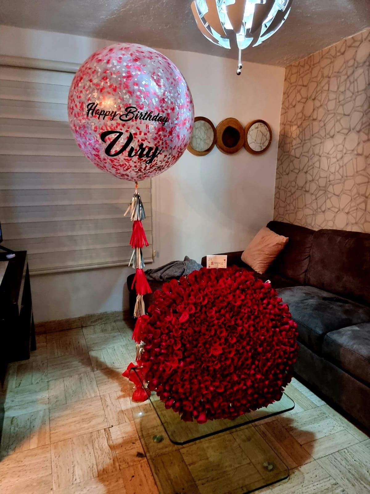 Ramo de 500 Rosas Rojas y Globo