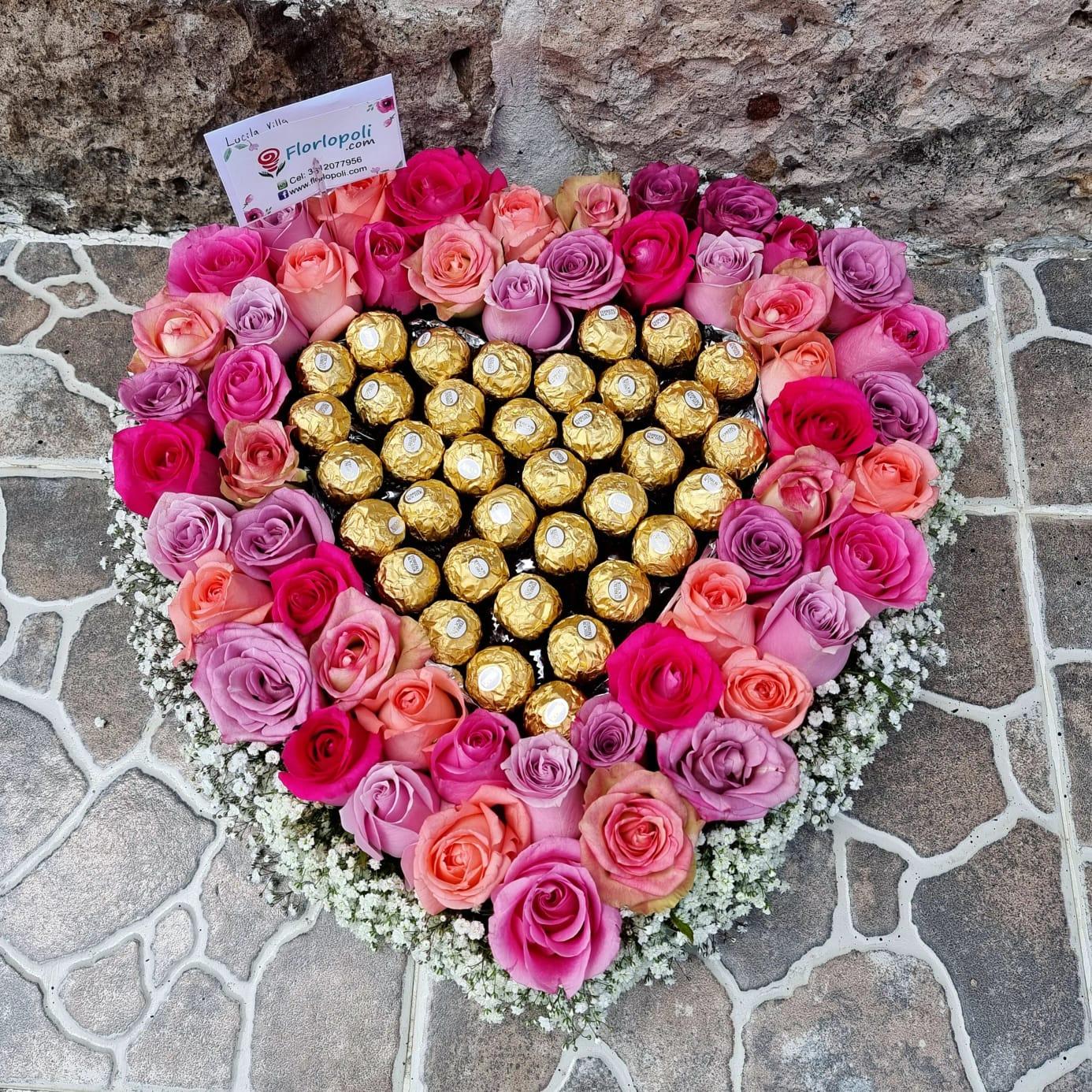 corazon de rosas rosas y ferreros