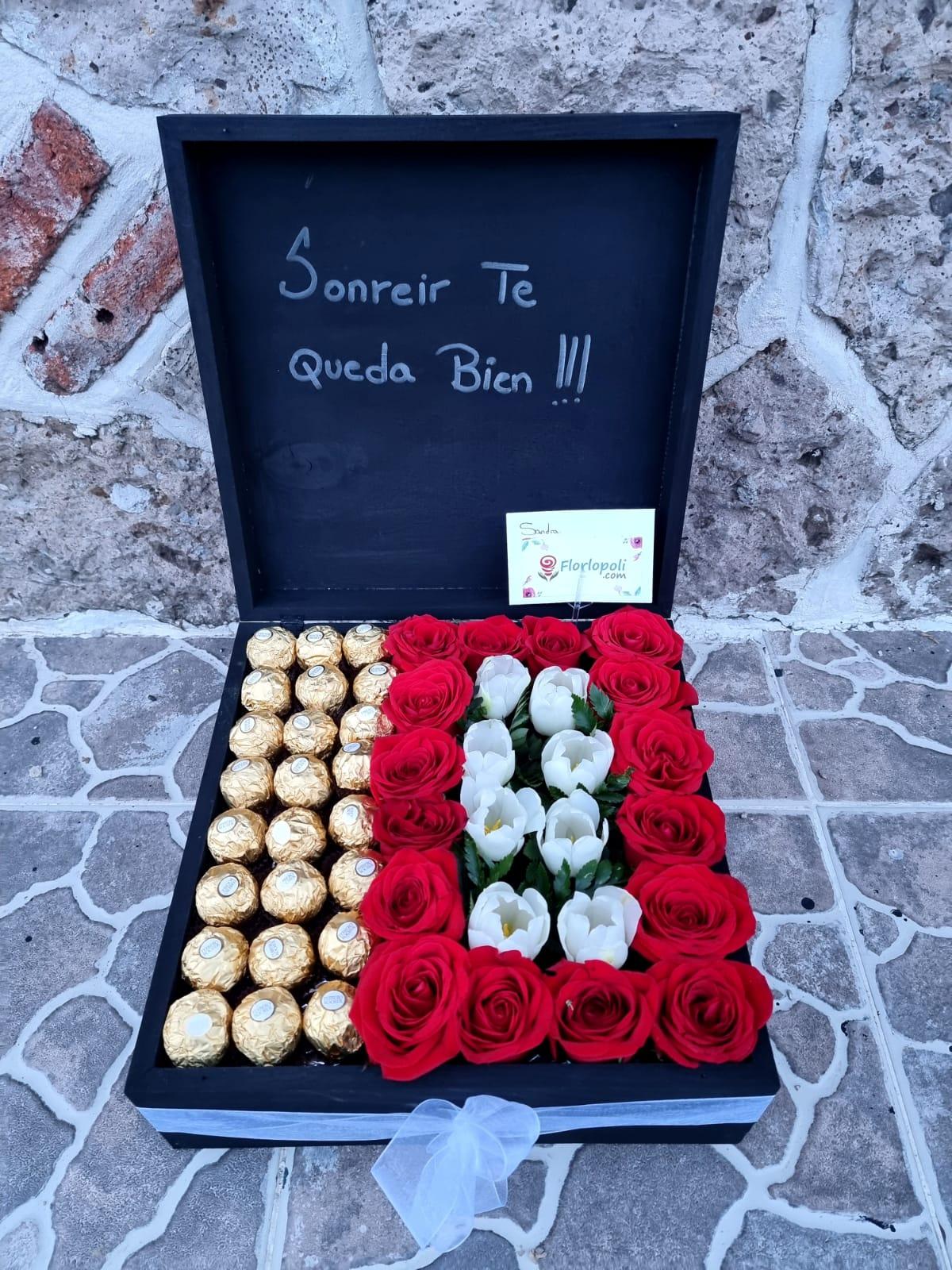 Caja de Rosas con Tulipanes y Chocolates