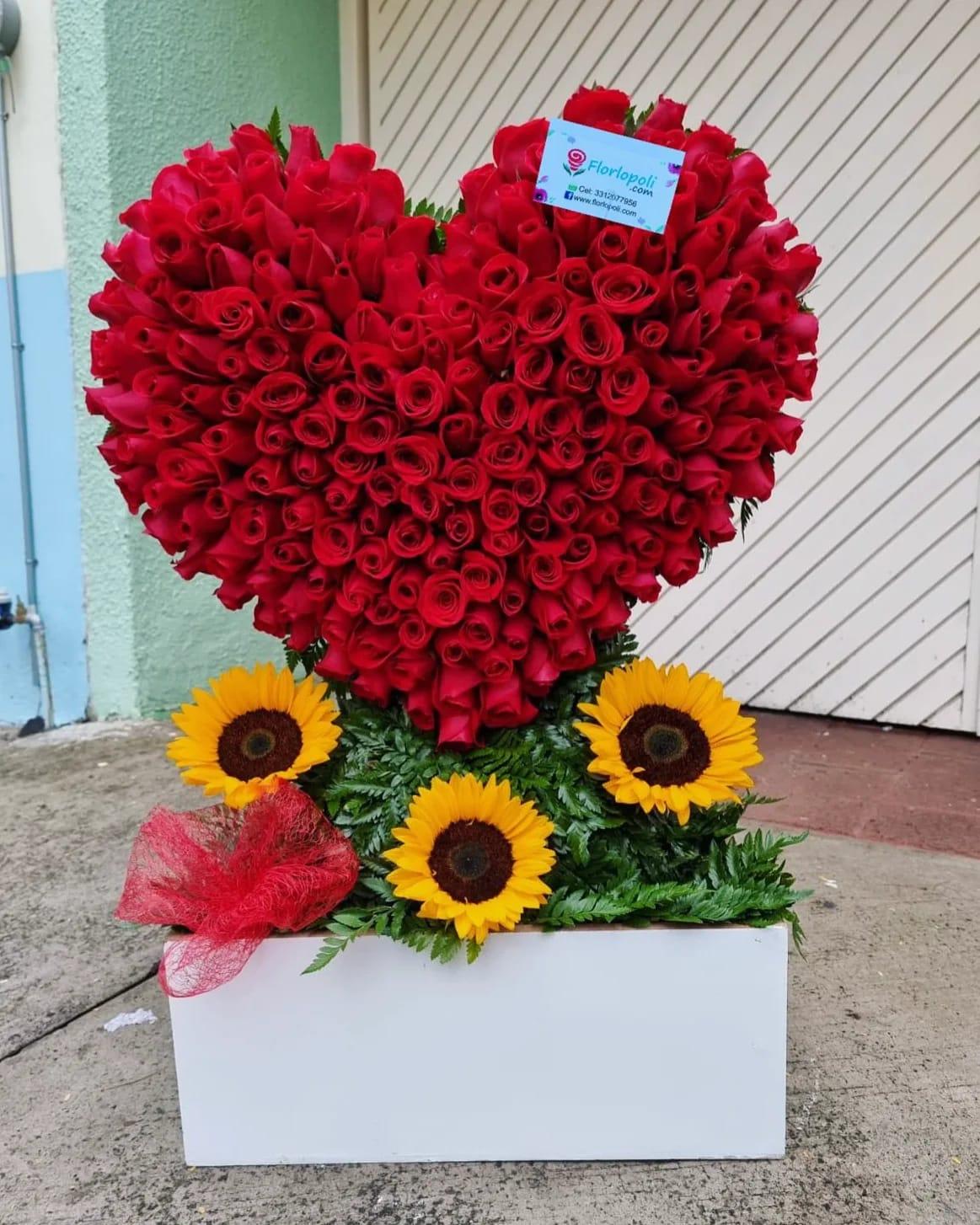 Corazon de 200 rosas rojas